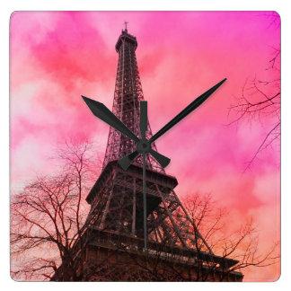 PixDezinesピンクのパリかエッフェル塔 スクエア壁時計