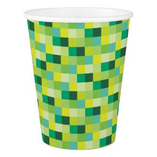 Pixelated緑および黄色のパターン 紙コップ
