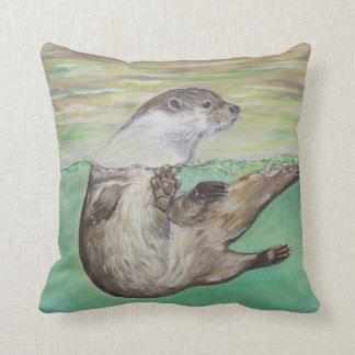 Playful River Otter クッション