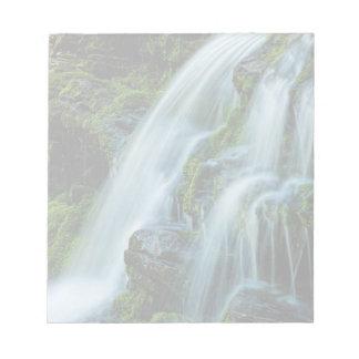 Poconosの美しい滝 ノートパッド