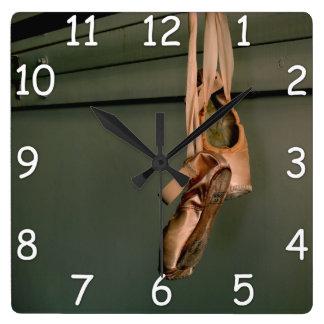Pointeの靴の柱時計 スクエア壁時計