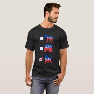 Politipetsの投票猫! 黒いTシャツ Tシャツ