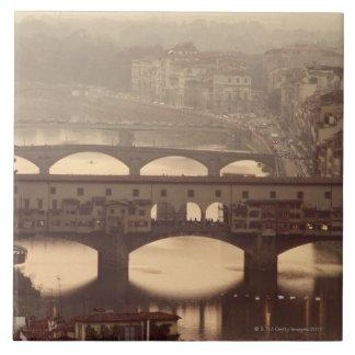 Ponte Vecchioおよびアルノ 正方形タイル大