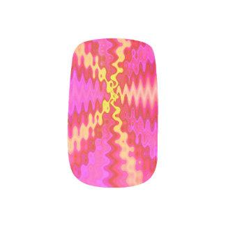 PopArtのピンクの黄色くモダンな抽象芸術 ネイルアート
