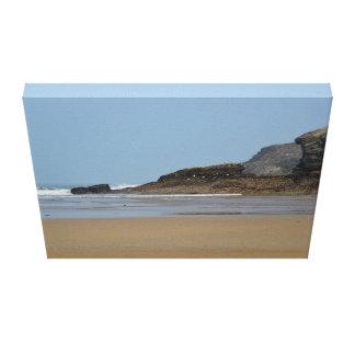 PorthのビーチNewquayコーンウォール キャンバスプリント