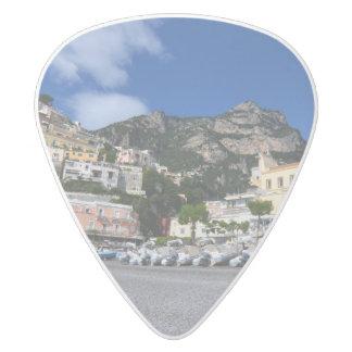 Positanoのビーチ ホワイトデルリン ギターピック