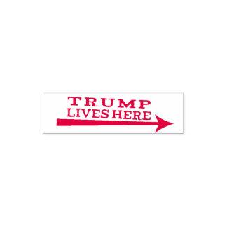 President Donald Trump Lives Here Funny Stamp セルフインキングスタンプ
