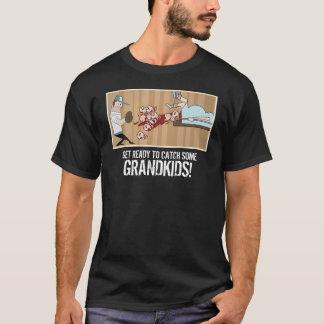 """Primoは""""準備をします何人かの孫をつかまえる!"""" Tシャツ"""