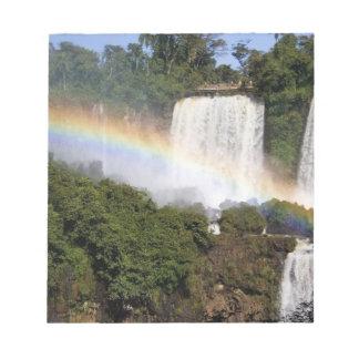 Puerto Iguazu、アルゼンチン。 息もつけないほど ノートパッド