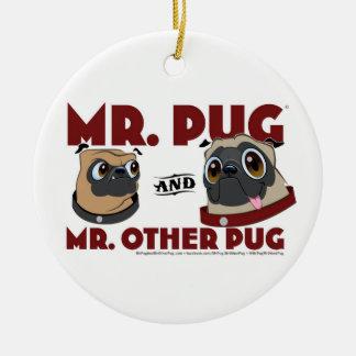 Pug氏及び氏。 他のパグの休日のオーナメント セラミックオーナメント