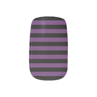 Punky Goth Black and Purple Stripes ネイルアート