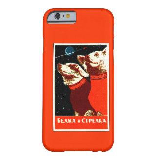 Pupniks Belka及びStrelkaのソビエト宇宙はiPhone 6の後をつけます Barely There iPhone 6 ケース