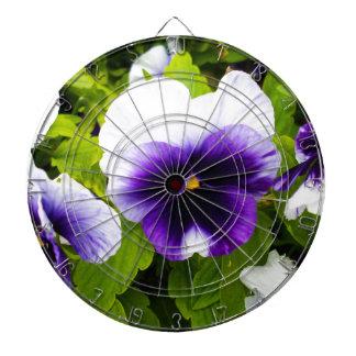 Purple_And_White_Pansies、_ ダーツボード