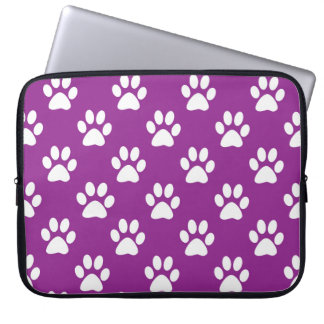 Purple and white paw prints pattern ラップトップスリーブ
