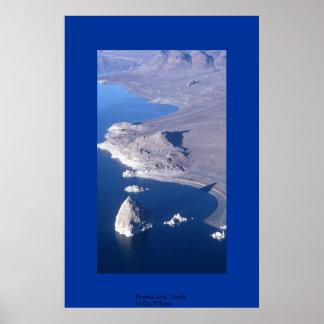 pyramid湖、ネバダ ポスター