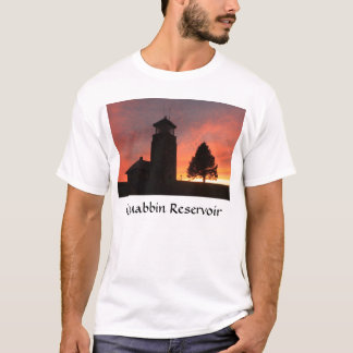 Quabbin公園タワーの日没、Quabbinの貯蔵所 Tシャツ