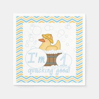 Quackingのよいアヒルの第1誕生日の紙ナプキン スタンダードカクテルナプキン