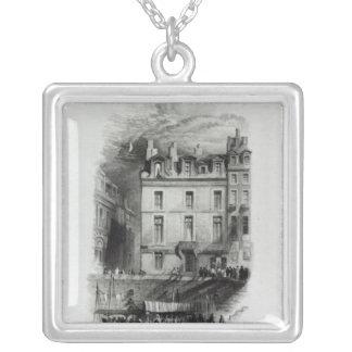 Quai Conti 1834-36年のナポレオンの宿泊設備 シルバープレートネックレス