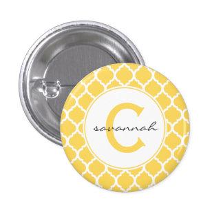 Quatrefoilの黄色いモノグラム 3.2cm 丸型バッジ