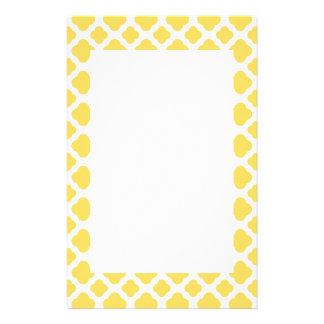 Quatrefoilレモン色および白いパターン 便箋