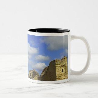 Rakvereの中の城、Rakvere、エストニア ツートーンマグカップ