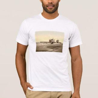 Redcar桟橋、ヨークシャ、イギリス Tシャツ