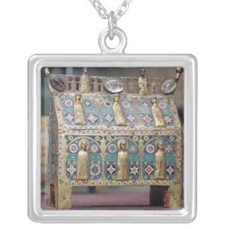 Reliquaryのシャッセ、リモージュ、c.1200-50 シルバープレートネックレス