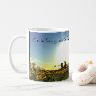 RheinuferpromenadeデュッセルドルフのRitu Ghatoureの引用文 コーヒーマグカップ