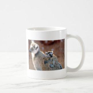 RingtailのLemurおよびベビー コーヒーマグカップ