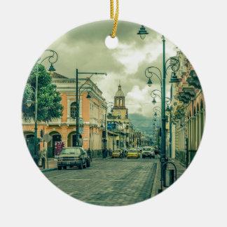 Riobamba都市の歴史的な中心の都市場面 セラミックオーナメント