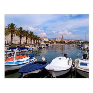 Rivaの水辺地帯、割れ目、クロアチア ポストカード