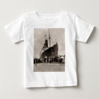 RMSのルシタニアはニューヨークシティ1907年着きます ベビーTシャツ