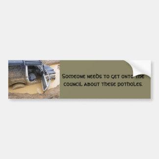 roaderのジープを離れたバンパーステッカー4x4は泥で付きました バンパーステッカー