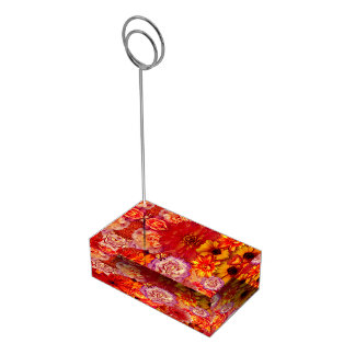 Rojoの花の明るい花束の豊富で猛烈なデイジー テーブルカードホルダー