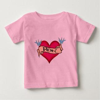 Ron -カスタムなハートの入れ墨のTシャツ及びギフト ベビーTシャツ