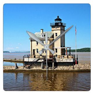 Rondoutの入り江の灯台、ニューヨーク 壁時計