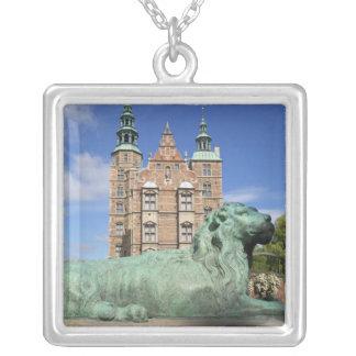 Rosenborg宮殿、コペンハーゲン、デンマーク シルバープレートネックレス