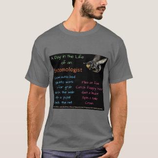 RoseWrites著昆虫学者の日(修正される) Tシャツ
