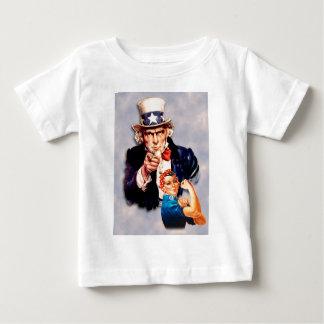 Rosieリベッター及び米国市民デザイン ベビーTシャツ