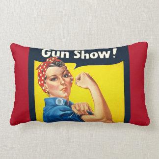 Rosieリベッター: 銃の展示会! ランバークッション