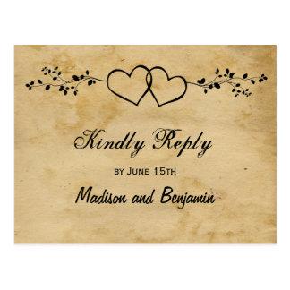 RSVPの郵便はがきを結婚する素朴な二重ハート ポストカード