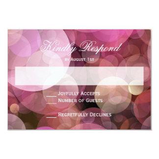 RSVPカードを結婚するピンクの紫色の《写真》ぼけ味の抽象芸術 カード