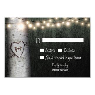 RSVPカードを結婚する切り分けられたイニシャルの樺の木 8.9 X 12.7 インビテーションカード