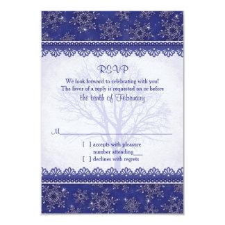 RSVP |の王室のな濃紺の雪片を結婚する冬 8.9 X 12.7 インビテーションカード