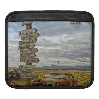 RT 66アリゾナの砂漠 iPadスリーブ