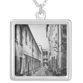 Rue du FerMoulin、パリ1858-78年 シルバープレートネックレス