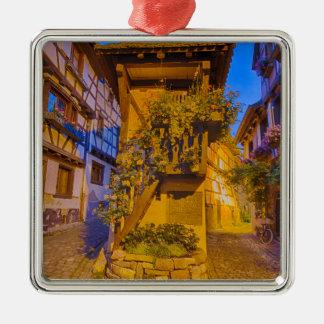 Rue du Rempart石鹸水の通りのl'Allemand石鹸水のiEguisheim メタルオーナメント