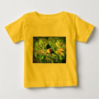 Rufous味方されたTowheeのすずめ ベビーTシャツ