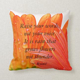 Rumi:  上げて下さいあなたの単語を….オレンジガーベラのデイジー クッション