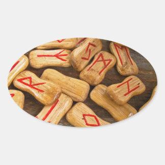 Runes 楕円形シール